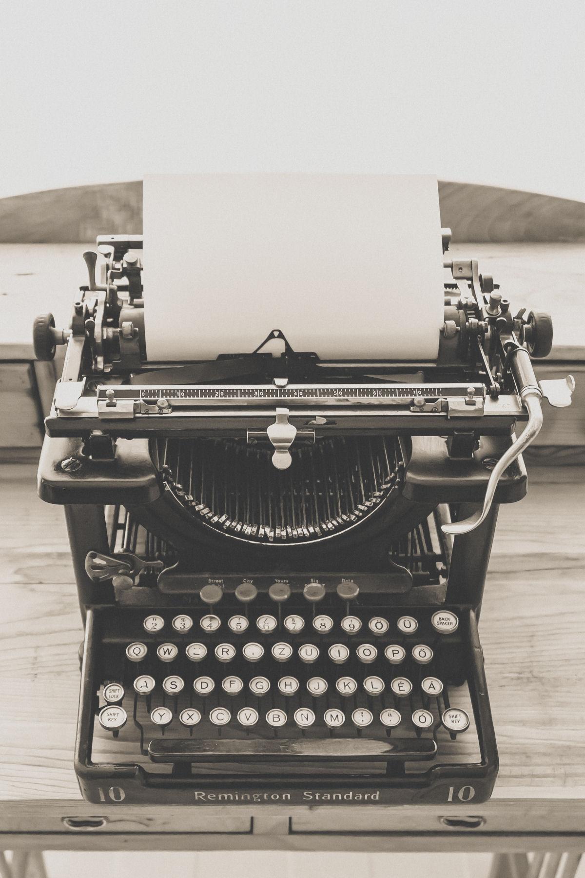 czcionka maszyna do pisania